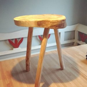 Oli made a stool / bedside table @doctor_sugar Oli made a stool / bedside table @doctor_sugar
