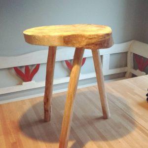 Oli made a stool / bedside table @doctor_sugar Oli made a stool / bedside table @doctor_sugar