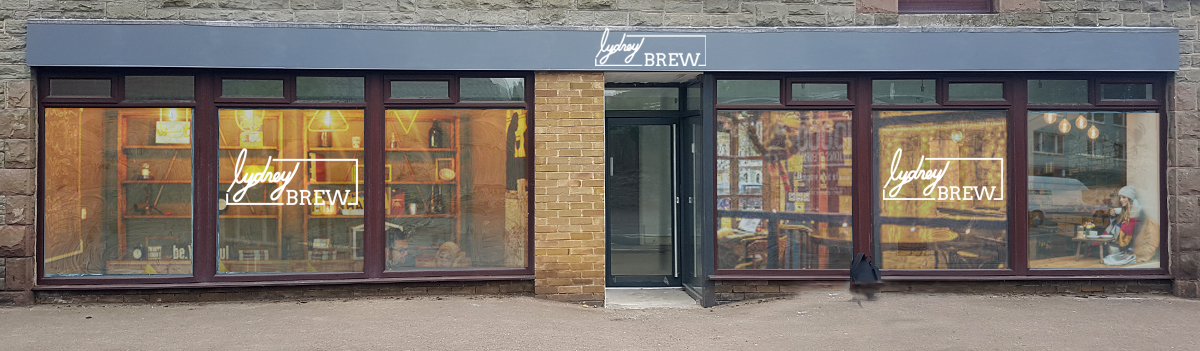 shop front with 5d middle